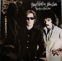 Daryl Hall And John Oates (1977) ‎– Beauty On A Back Street